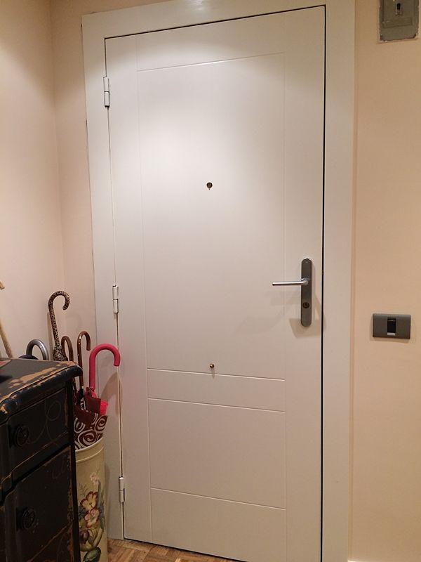 Puerta Lisa Modelo C6. Interior Acorazada