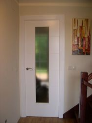 Puerta Lisa Modelo C8- 1 Vidrio Estrecho